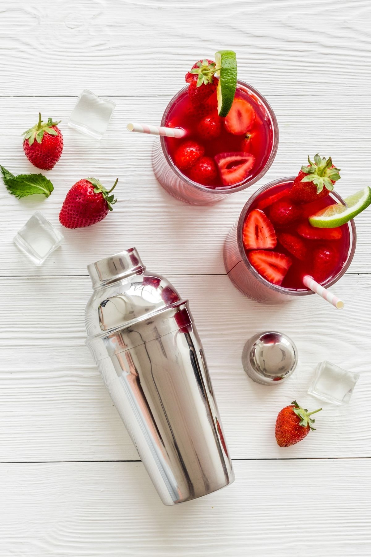 strawberry mojitos and cocktail shaker