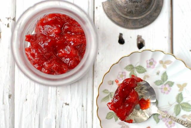 How to Make Organic Strawberry Jam - simple tutorial - BoulderLocavore.com