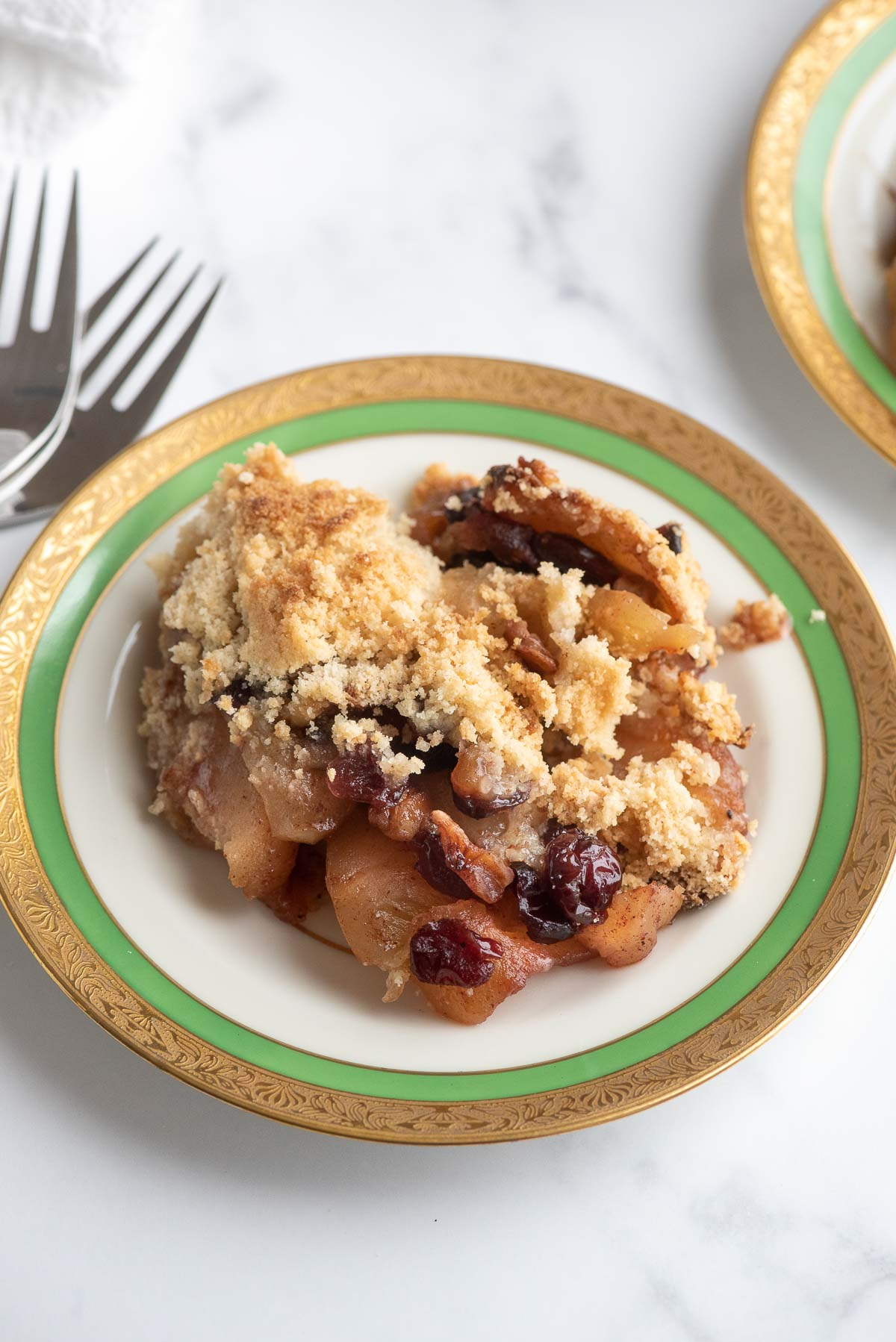 apple crisp serving on plate