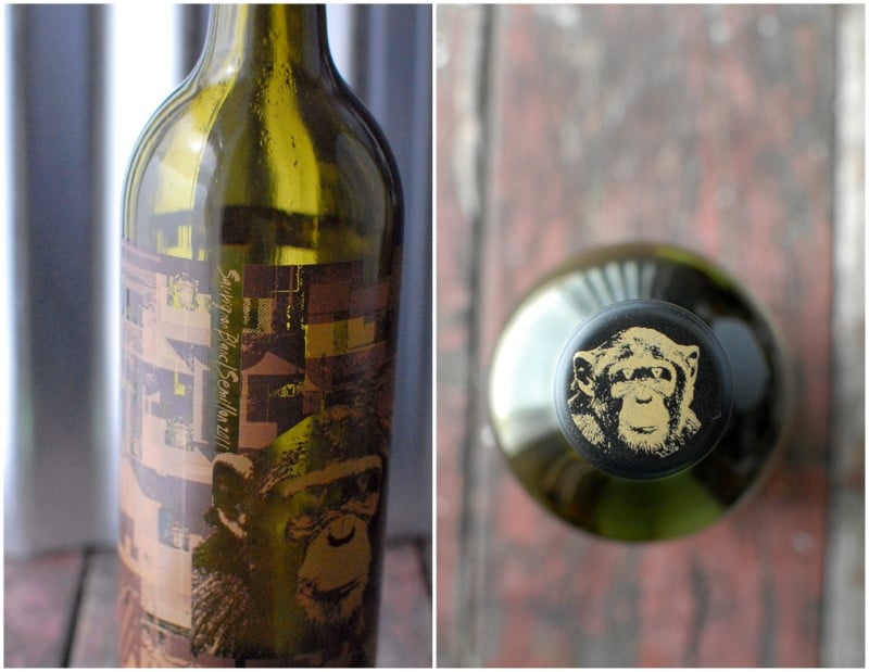 Infinite Monkey Therom wine bottle and wine cap top