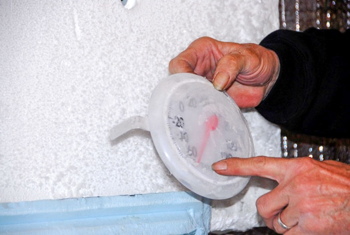 dry ice and thermometer