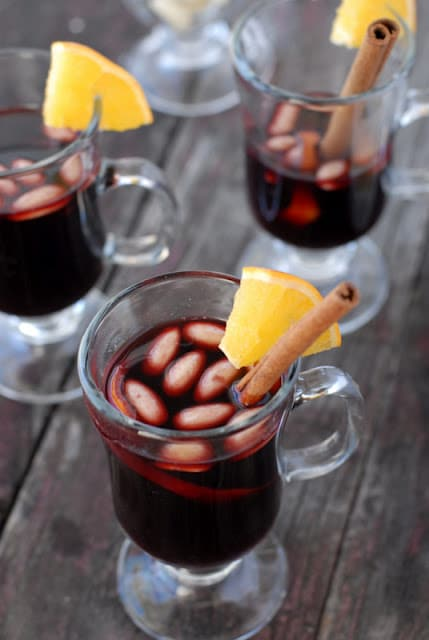 mulled wine in glass mugs
