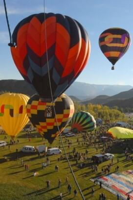Snowmass (Hot Air) Balloon Festival Balloons in air