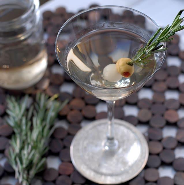 rosemary gin martini