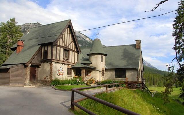 pub at Farimont Banff