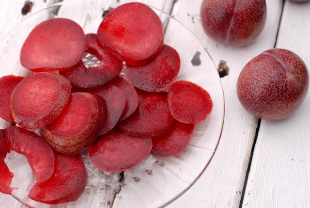 red plums sliced