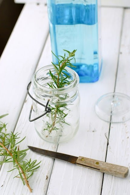 rosemary infused gin