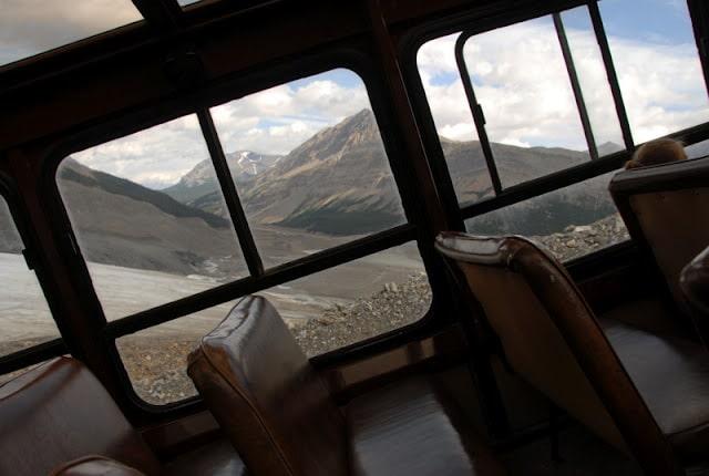 glacier bus ascending
