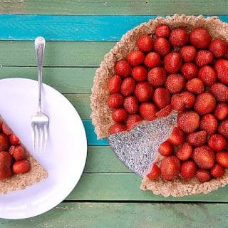 3-Ingredient No Bake Strawberry Tart (raw food tart). Simple to make with rich flavor. The tart is naturally gluten-free and can be made with any berries. | BoulderLocavore.com