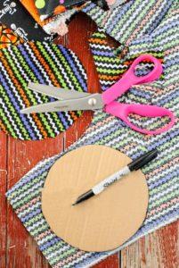 Halloween Trick or Treat wreath making cardboard cutting guide