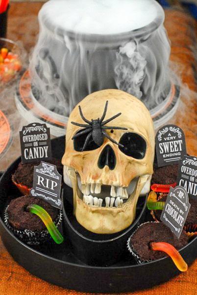Graveyard Cupcake Halloween Party - BoulderLocavore.com