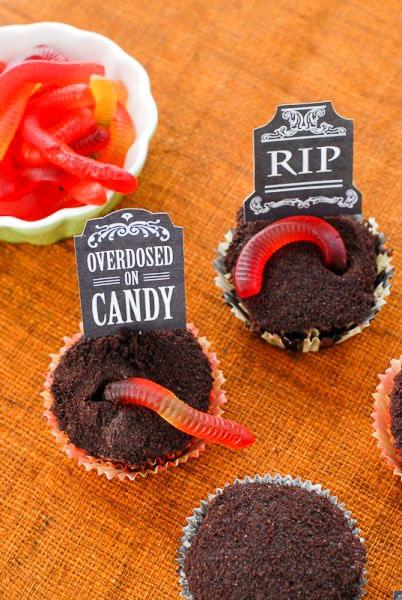Graveyard Cupcakes - BoulderLocavore.com