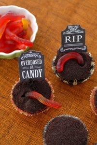 boulderlocavore.com graveyard cupcakes 688
