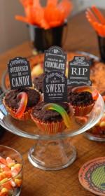 Halloween Graveyard Cupcakes   BoulderLocavore.com