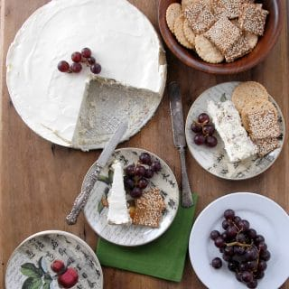 Savory Blue Cheese Cake red grapes gluten free crackers