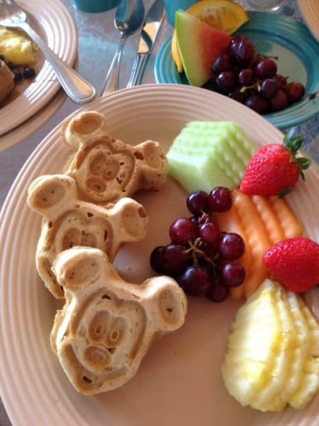 Gluten-Free Mickey Mouse Waffles at the Plaza Inn Character Breakfast {Disneyland CA}