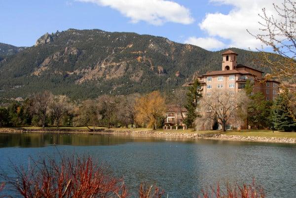 Broadmoor Hotel lake