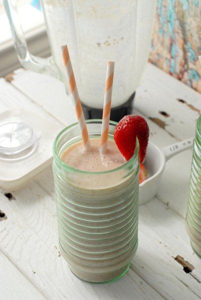 Banana-Peach Almond Smoothie - BoulderLocavore.com