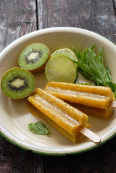 Mango-Kiwi Limeade Fruit Popsicles {Paletas}  | BoulderLocavore.com