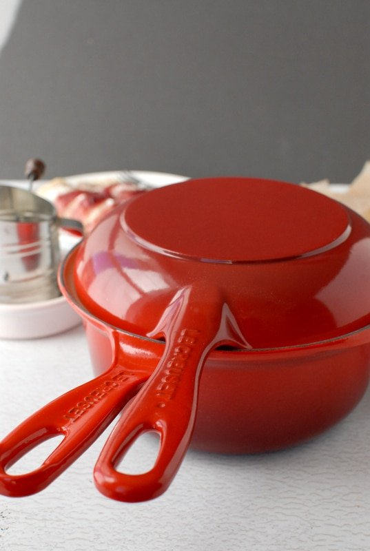 Le Creuset 2-in-1 pan Cherry red