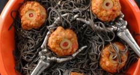 Diablo Eyeballs {Taco Meatballs} with Black Bean Pasta - BoulderLocavore.com