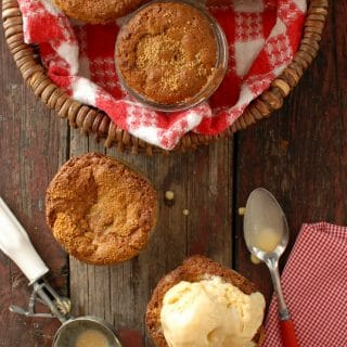 Little Apple Oat Cakes in Jars with ice cream