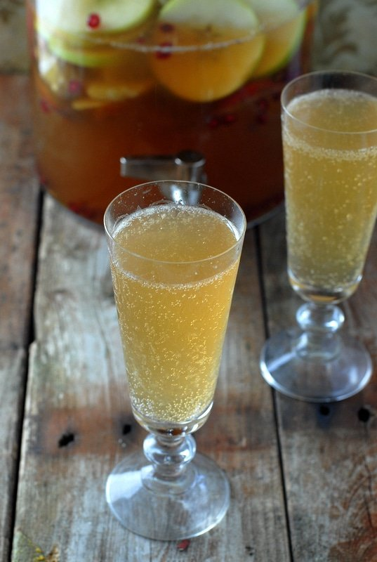 Sparkling Apple-Pear Mock Sangria - BoulderLocavore.com #fall