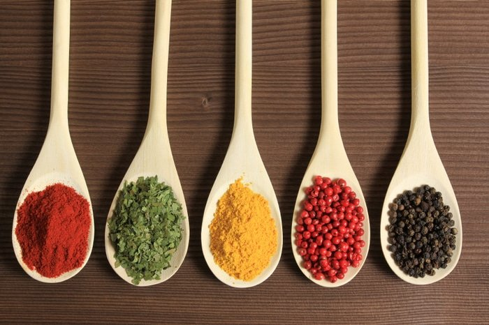 Homemade DIY Seasoning Blends and Extracts
