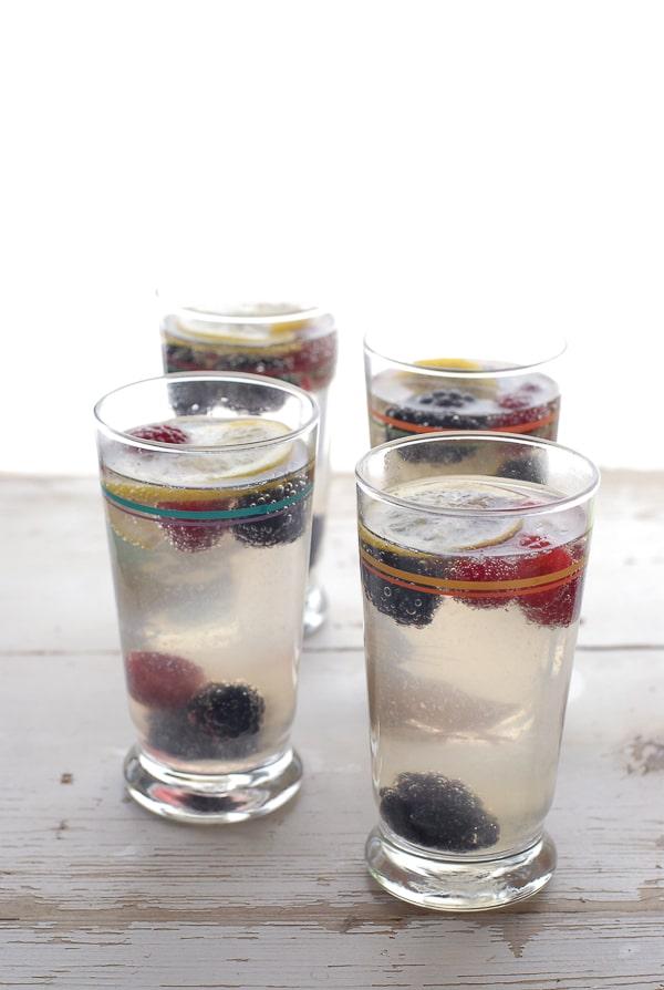 Elderberry Gin Fizz - BoulderLocavore.com