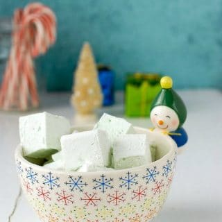 Easy to make, puffy, minty Creme de Menthe Marshmallows are great in hot cocoa, s'mores and for gifts! BoulderLocavore