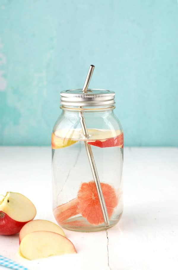 My Secret for Staying Hydrated- Apple-Grapefruit Water- BoulderLocavore.com