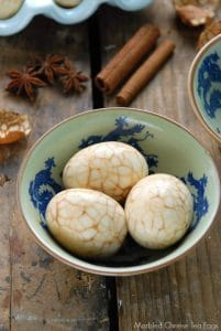 Marbled Chinese Tea-Spice Eggs in asian bowl