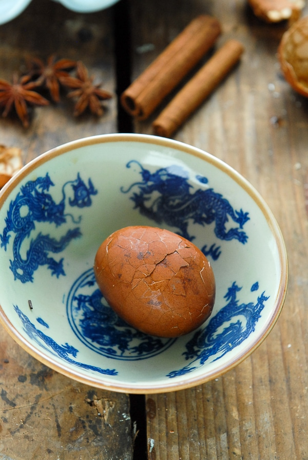Marbled Chinese Tea-Spice Eggs cracking- BoulderLocavore.com