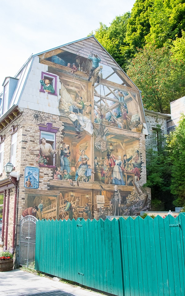 Exploring old quebec city for Mural quebec city
