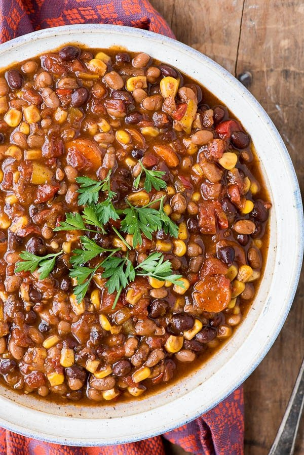 Slow Cooker Tangy Baked Bean Chili