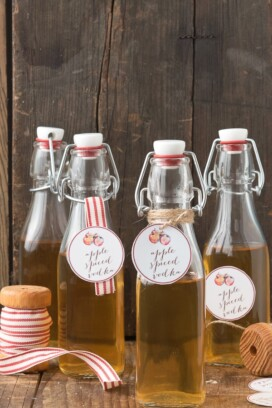 Apple Spiced Vodka with free printable gift tags