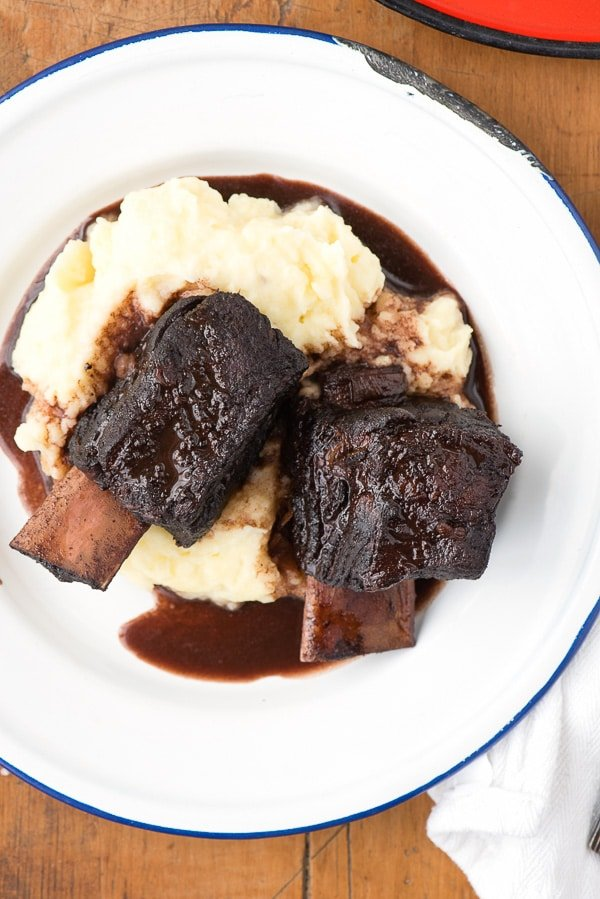 Red Wine Braised Beef Short Ribs with Yukon Gold Garlic Whipped ...