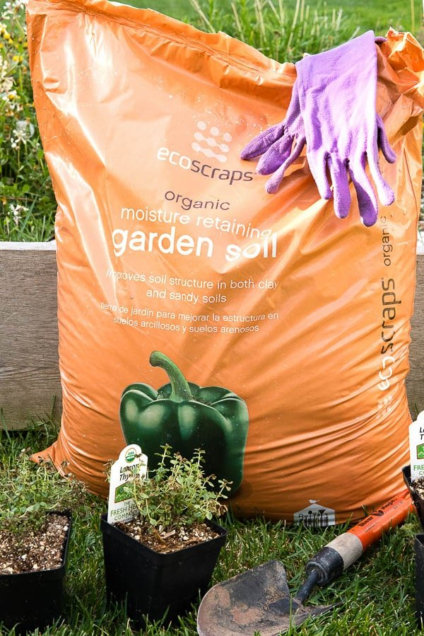 bag of Ecoscraps Moisture Retaining Garden Soil