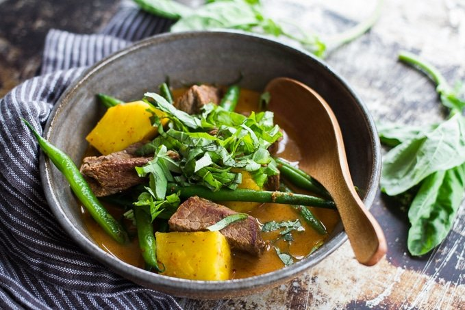 Beef and pineapple red curry from PlateJoy | BoulderLocavore.com