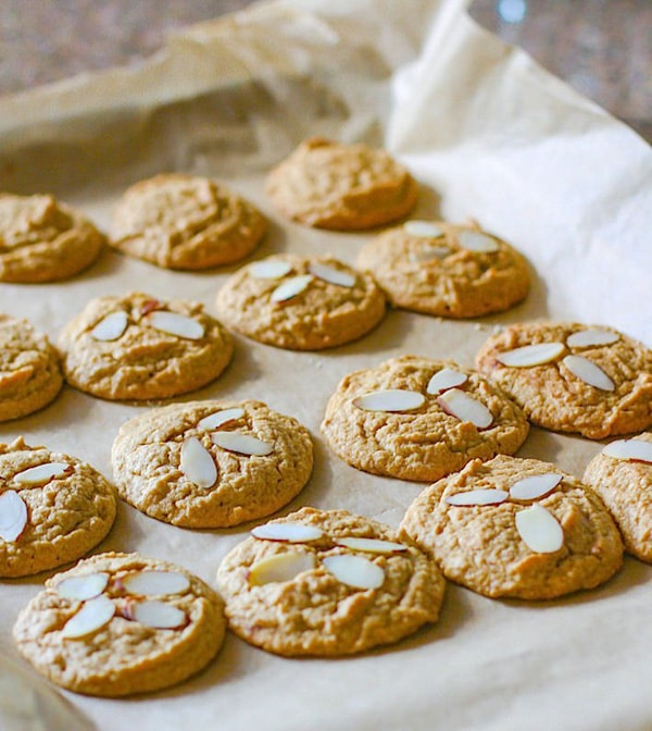 Cinnamon Spiced Almond Paleo Sugar Cookies Gluten-Free | Cotter Crunch