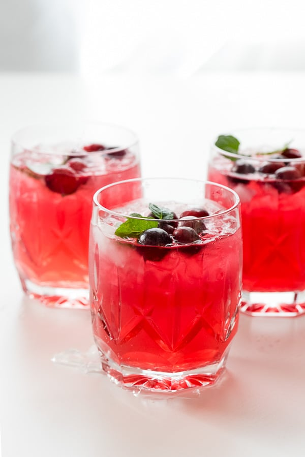 Sparkling cranberry vodka punch boulder locavore for Thanksgiving holiday drinks alcohol