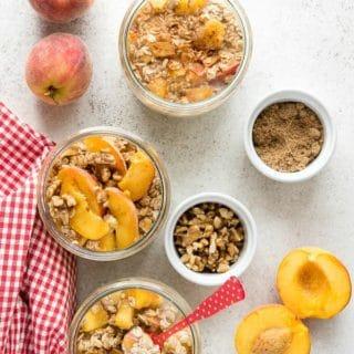 Peach Pie Overnight Oats in Weck tulip jars