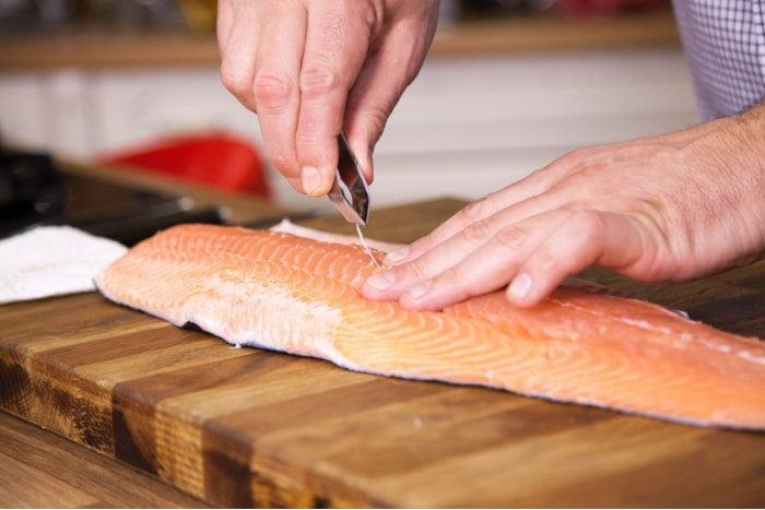 how to remove salmon bones