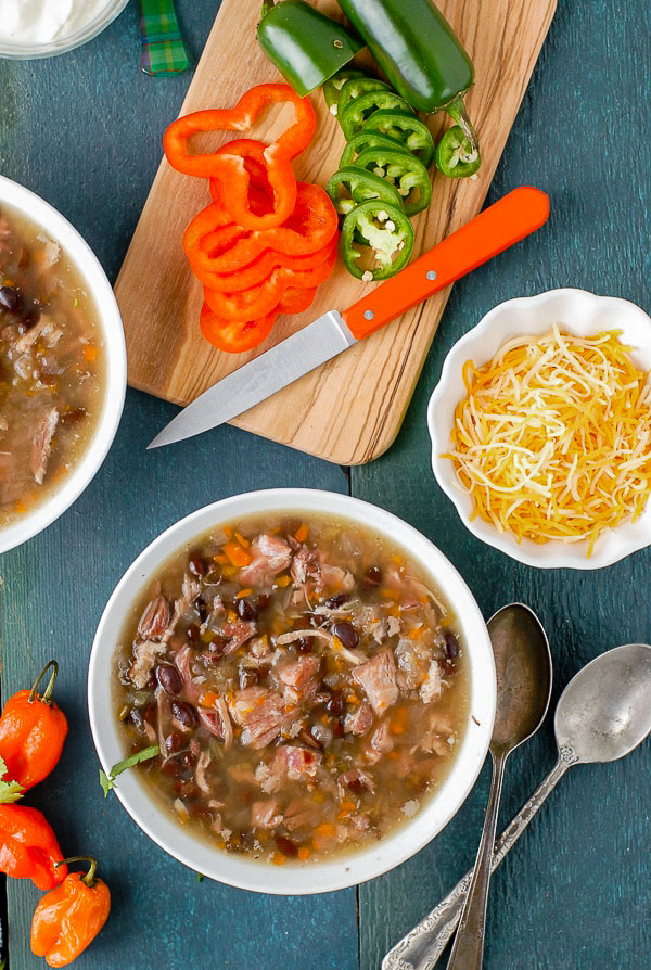 slow cooker black bean and hambone soup