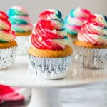 4th of July Cupcakes with a Frosting Trick You Need to Know!