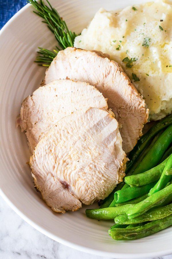 sliced turkey breast with green beans