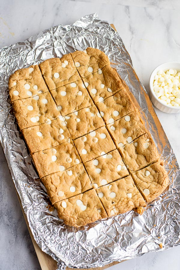 cutting baked cooled Blondies