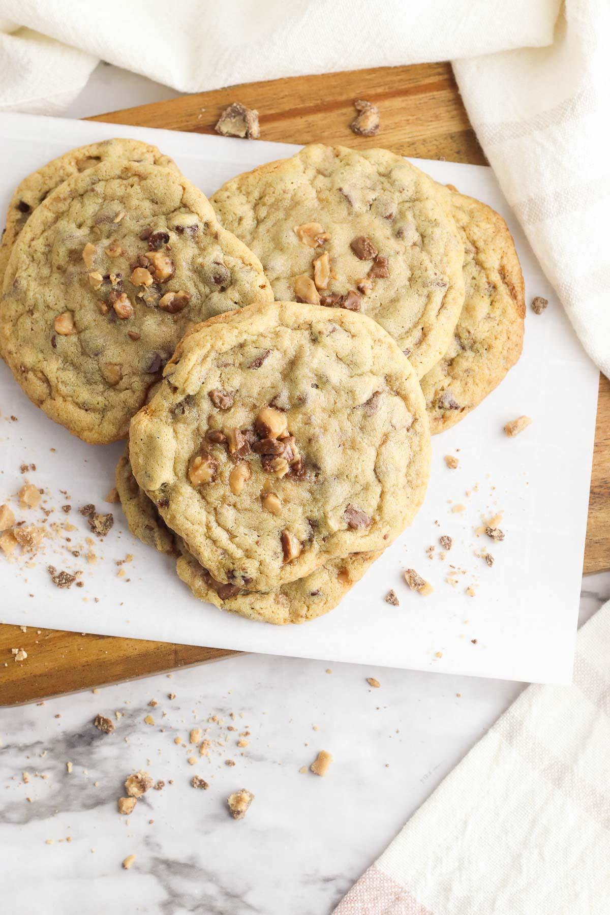 toffee cookies overhead