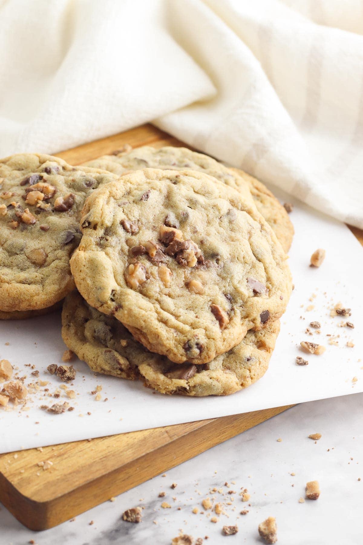 toffee cookies three cookies