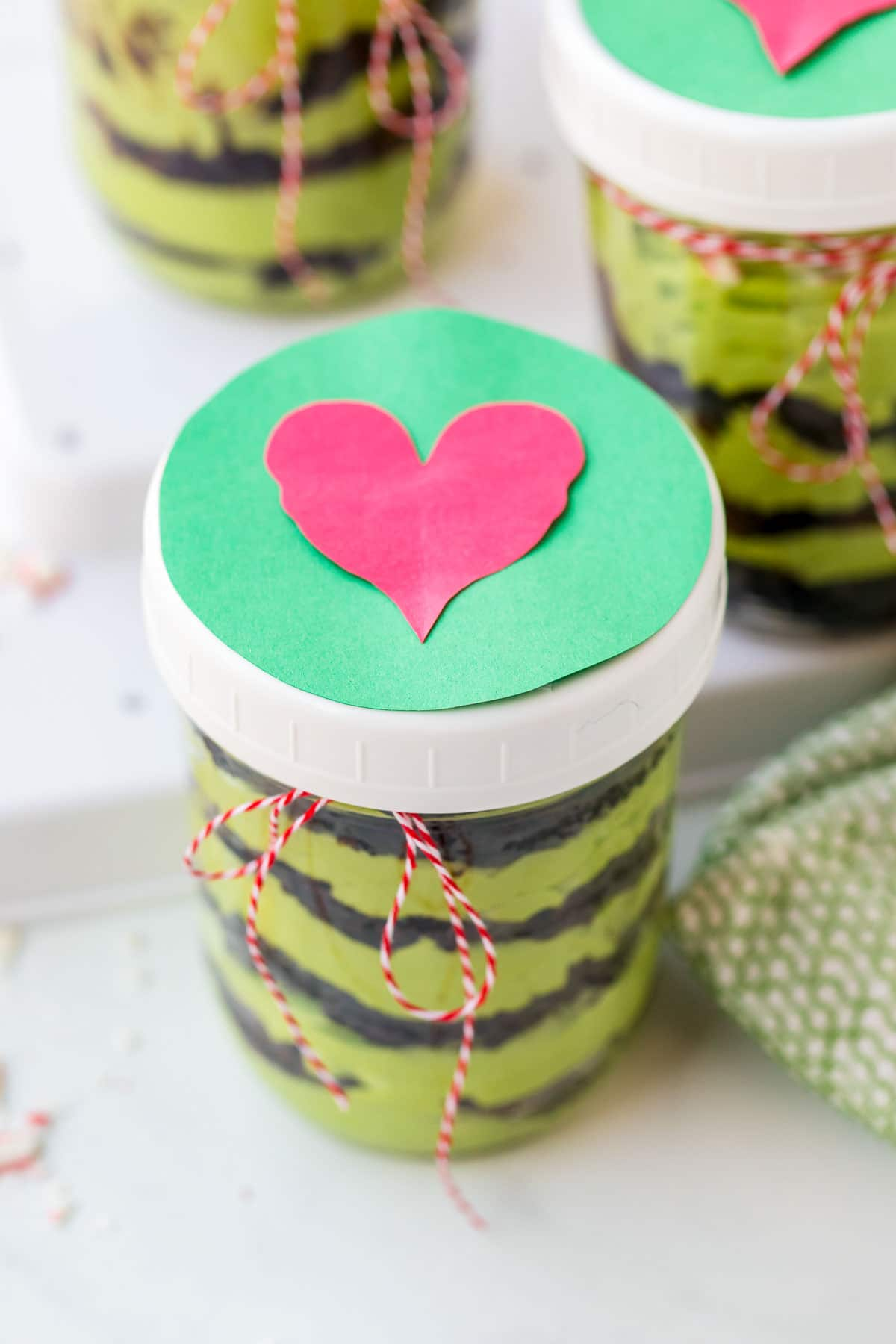 grinch cake heart lid